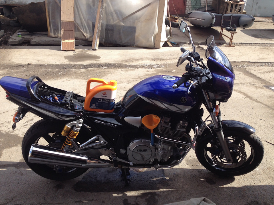 Масло для Yamaha XJR - Repsol Moto Sintetico, Moto Sort, Moto Racing 10W40